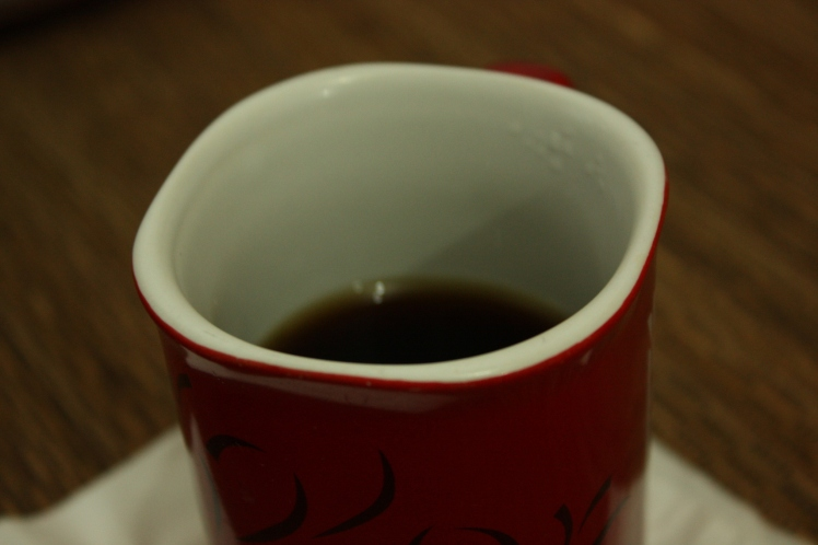 secangkir kopi hitam pekat nikmat